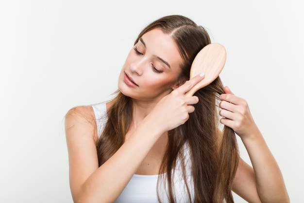 How to manage dry hair during summer?